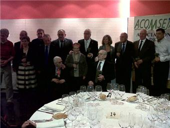 Foto de familia de los homenajeados por ACOMSEJA
